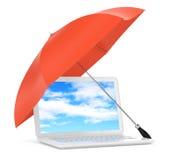 Computer portatile sotto l'ombrello Fotografie Stock Libere da Diritti