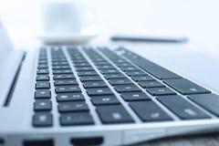 Computer portatile sullo scrittorio Fotografia Stock