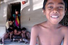 Computer portatile in villaggio indiano Immagini Stock Libere da Diritti