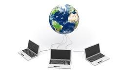 Computer portatili connessi al mondo Immagine Stock Libera da Diritti