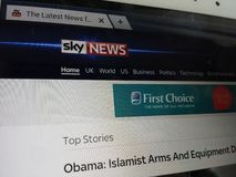 Computer screen showing sky news front page on internet Stock Photography