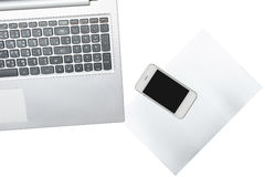 Computer, Smartphone und Papier wird auf transparentem lokalisiert lizenzfreie stockbilder