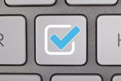 Computer Zeer belangrijke Controle Mark Blue Icon Stock Fotografie