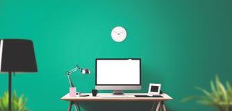 Computeranzeigen- und -bürowerkzeuge auf Schreibtisch Stockfoto
