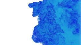 Computergrafiek als blauwe inkt het uitspreiden in het water op een witte achtergrond 3d geef terug voxel grafiek Computer royalty-vrije illustratie