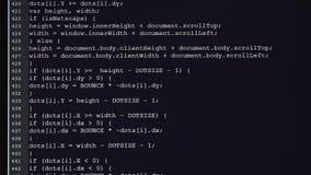 Computerklasse Op de monitor zijn de aanvankelijke codes ingegaan De broncode de tekst van het computerprogramma in om het even w stock video
