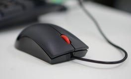 Computermaus im Büro lizenzfreies stockfoto