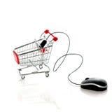 Computermaus und -Einkaufswagen getrennt auf Weiß Lizenzfreie Stockbilder