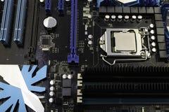 Computermotherboard, wenn der Prozessor auf ihn installiert ist lizenzfreies stockbild