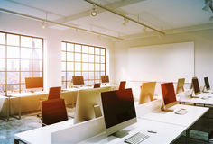 Computers in bureau royalty-vrije illustratie