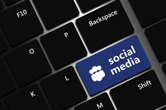 Computertastatur mit Social Media-Knopf Stockfoto