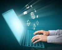 Computertechnologie en wolk gegevensverwerking vector illustratie