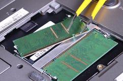 Computerteile und Reparaturhilfsmittel Stockbild