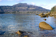 Comuna Pucon do lago Caburgua, o Chile imagens de stock