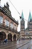 Comune e cattedrale sul quadrato del mercato di Brema immagine stock