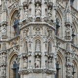Comune e St Peter & x27; chiesa di s a Lovanio Fotografia Stock Libera da Diritti