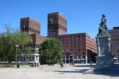 Comune (Radhus) nel centro di Oslo, capitale della Norvegia Immagine Stock