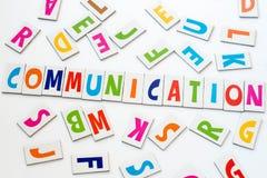 Comunicación de la palabra hecha de letras coloridas foto de archivo libre de regalías