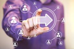 Comunicación del web de la conexión del icono de la flecha del botón del negocio fotos de archivo