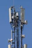Comunicación móvil de la antena. Foto de archivo