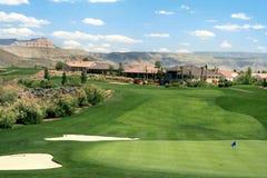 Comunidad del campo de golf de la montaña Foto de archivo libre de regalías