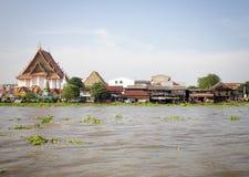 A comunidade Chao Phraya River do beira-rio em Banguecoque Foto de Stock Royalty Free