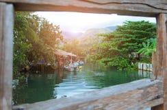 A comunidade do porto fluvial em Tailândia Imagens de Stock