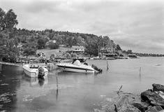 A comunidade litoral, Sundsandvik, Suécia - gravou com filme análogo fotos de stock