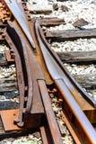 Comute em trilhas de estrada de ferro quebradas Imagem de Stock Royalty Free