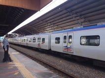 Comuter-Zug bei Seremban, Bahnhof Malaysias Stockbild
