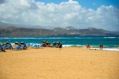 con el foco en los prismáticos Islas Canarias foto de archivo