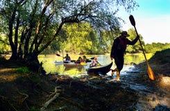 Con el kajak en el delta de Danubio, Rumania Foto de archivo libre de regalías