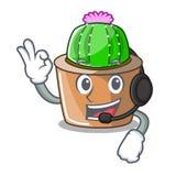 Con il cactus della stella della mascotte della cuffia decori nel giardino royalty illustrazione gratis