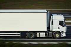 Con il camion dei semi immagini stock