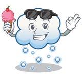 Con la historieta del carácter de la nube de la nieve del helado Imágenes de archivo libres de regalías