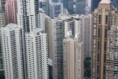 Con todo más apartamentos en la bahía Hong Kong de Kowloon Fotos de archivo libres de regalías