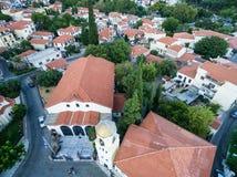 Con vuelo del abejón sobre la ciudad vieja de Xanthi en Grecia septentrional Foto de archivo