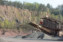 Concasseur de pierres dans une mine de carrière de roche de porphyre Photo libre de droits