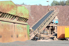 Concasseur de pierres dans une mine de carrière de roche de porphyre Images stock