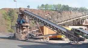 Concasseur de pierres dans une mine de carrière de roche de porphyre Photographie stock libre de droits