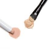 Concealer podstawa z makeup muśnięciem i ołówek Zdjęcia Stock