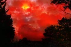 Conceito abstrato da silhueta da natureza com lua do sangue Imagem de Stock
