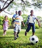 Conceito africano da atividade das férias do feriado da felicidade da família Fotos de Stock Royalty Free