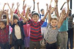 Conceito alegre da felicidade das crianças dos estudantes imagens de stock