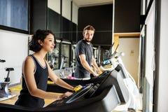 Conceito apto de Sporty Healthy Workout do atleta da escada rolante Fotografia de Stock Royalty Free