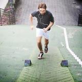 Conceito apto saudável masculino de Sportman do exercício ativo dos homens Fotos de Stock Royalty Free