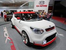 Conceito branco e vermelho de Kia Track'ster Fotografia de Stock Royalty Free