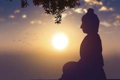 Conceito budista: Buda da silhueta do dia de Vesak com curso borrado ilustração stock