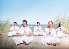 Conceito calmo do abrandamento do bem-estar da ioga da meditação fotos de stock royalty free