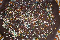 Conceito caseiro do bolo do aniversário para crianças foto de stock